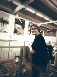 Gro Britt passer på at hundene har alt de trenger  — with Gro Britt Skarseth.